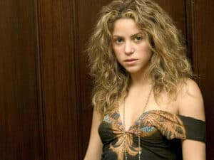 "shakiraEvaMendesblog - ""Kindred"" Author Becky Wragg Sykes compares pop star Shakira to a Neanderthal - Human Evolution News - 1"